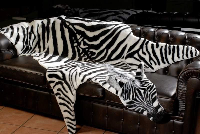 Искусственный мех с имитацией шкуры зебры